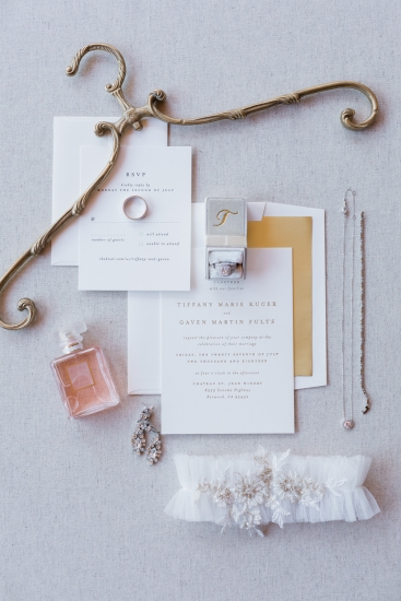wedding-invitation-minimalist